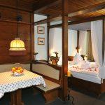 Hotel Gasthof Zum Goldenen Hirschen Freistadt - Zimmer Tisch